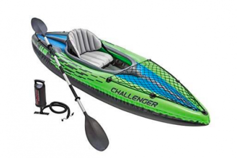 A picture of the same brand of kayak and oar (left) found near Lake Jesup Park on Friday.