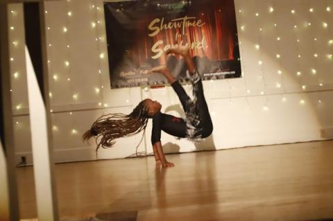 Dancer Janiyah gained a lot of audience appreciation with her acrobatic dance moves.